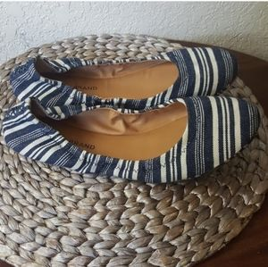Lucky Brand Emmie blue & white striped flats EUC
